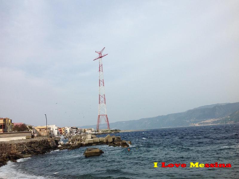 Il pilone a Capo Peloro