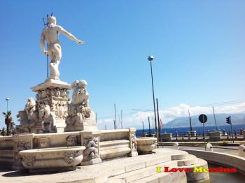 La fontana del Nettuno rivolta verso il mare